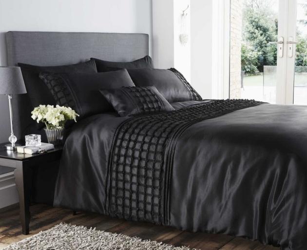beautiful-black-colour-stylish-ruffles-faux-silk-duvet-cover-luxury-bedding-6792-p
